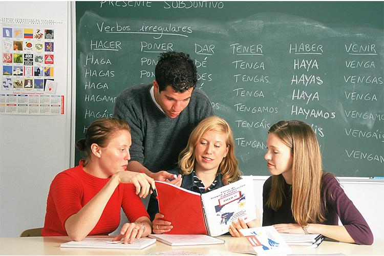 Học tiếng tại Tây Ban Nha