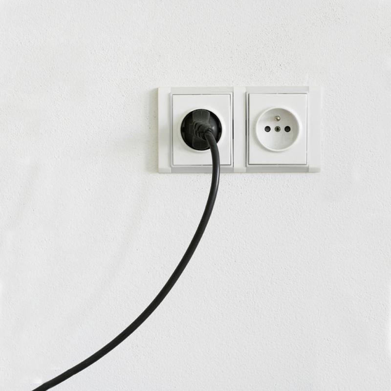 Ổ căm điện tại Tây Ban Nha