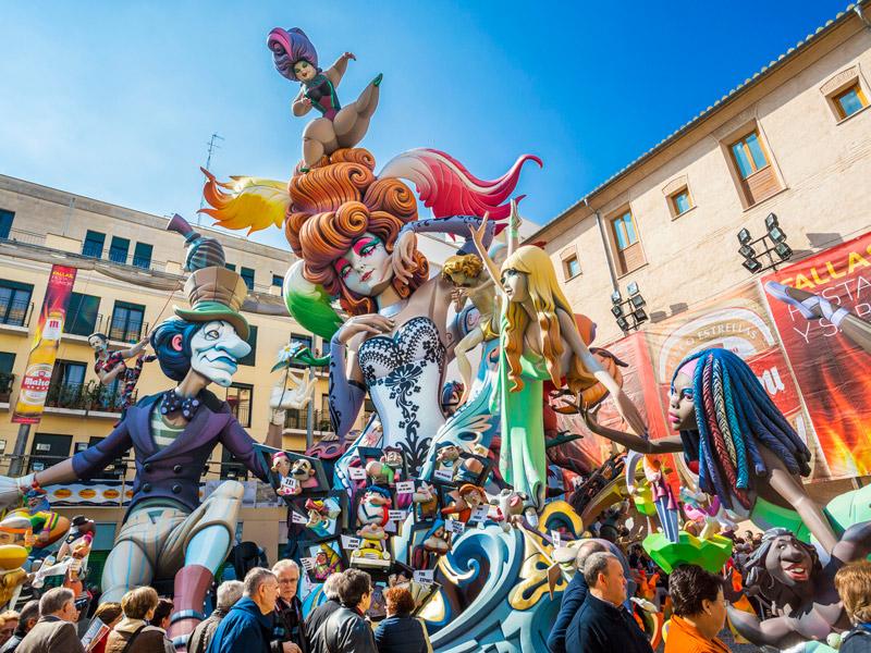 Lễ hội Las Fallas – lễ hội hình nộm